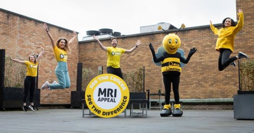 'Turning it yellow' in aid of Beatson Cancer Charity