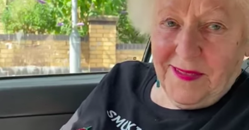 Scots gran stopped after sassy t-shirt catches photographer's eye