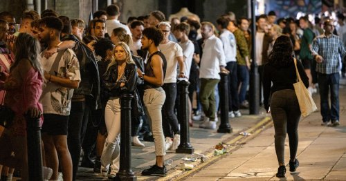 'Vertical drinking' explained as nightclub and pub rules in Scotland change
