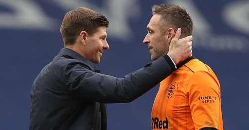 Steven Gerrard issues Rangers 10-year Allan McGregor contract call