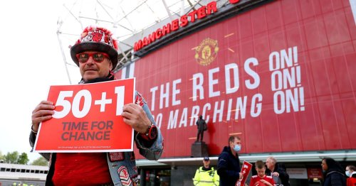 Returning Man Utd fans given anti-Glazer protest cards to take into Old Trafford