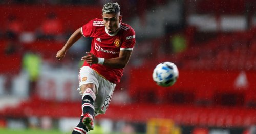 Andreas Pereira scores wonder goal and gets standing ovation from Fernandes