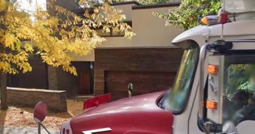 Google Maps captures driver making rude gesture outside reality TV show house