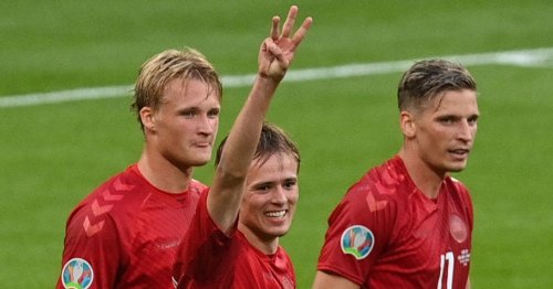 Leeds want Damsgaard, new wing-wizard found, talks with youngster heat up