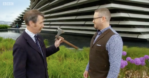 Antiques Roadshow fans brand expert 'rude' after guest gets a stern telling off