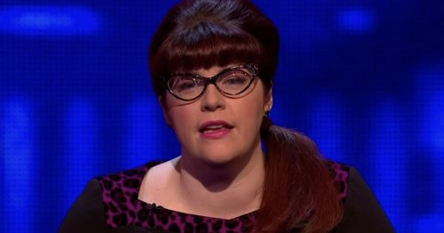 The Chase star Jenny Ryan is unrecognisable as she poses for make-up free selfie