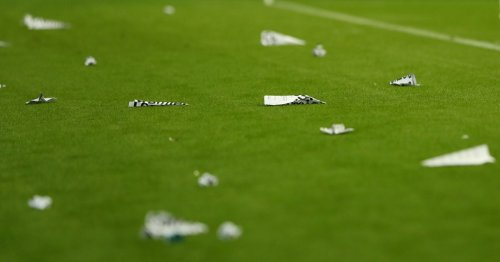 Angry Newcastle fans hurl paper planes onto pitch vs Leeds in takeover protest