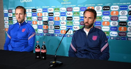 Kane explains decision not to move Coca-Cola bottles in England press conference