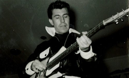 Link Wray and his bizarre guitar on American Bandstand, 1959