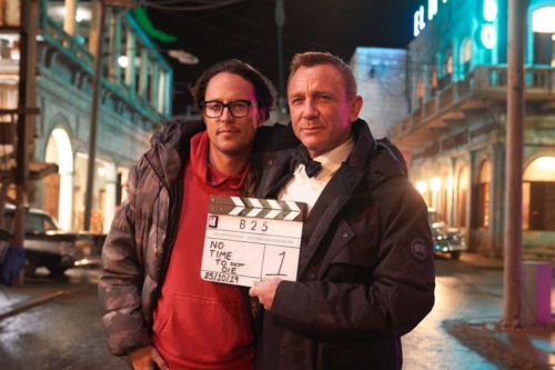 Daniel Craig Bids Emotional Farewell To James Bond Role And His Longtime Cast And Crew – Video