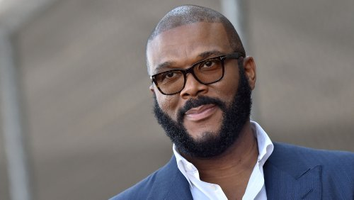 Tyler Perry Donates Thanksgiving Food To Thousands Of Atlanta Families