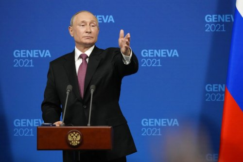 """You Didn't Answer My Question, Sir"": ABC News' Rachel Scott Presses Vladimir Putin On Death, Imprisonment Of Political Opponents"