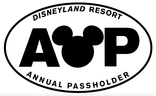 """Disneyland Replacing Annual Passes With Membership Program Catering To """"Superfans"""""""