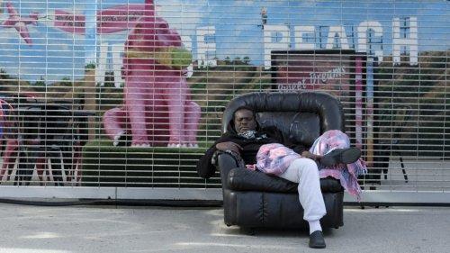 Political Battle Erupts Over Homeless Encampment On Venice Boardwalk