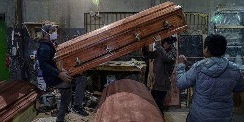 """Chilean casket producer increased production by 120% after introducing the """"COVID"""" casket model"""