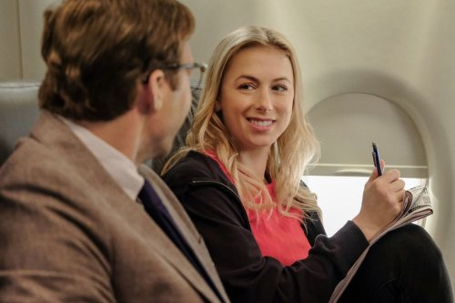 Stream It Or Skip It: 'Good on Paper' On Netflix, A Semi-Autobiographical Anti-Rom-Com Written By & Starring Iliza Shlesinger