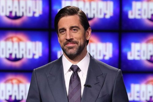 "Aaron Rodgers Keeps a Note to Not ""Pick Your Nose/Butt"" on the 'Jeopardy' Podium"