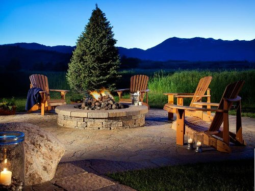 Backyard Fire Pit Ideas to Transform Your Outdoor Space