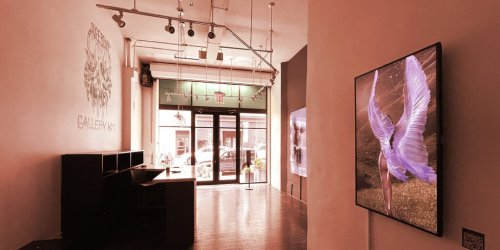 We Went to the 'World's First NFT Art Gallery'—It Was Just Like a Normal Gallery - Decrypt