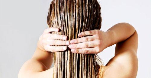 5 mascarillas naturales que mantienen tu pelo suave e hidratado en verano
