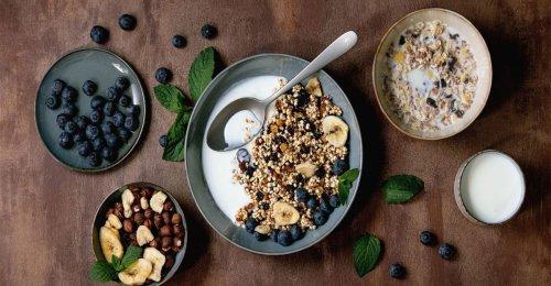 Snacks para picar entre horas y ¡Evitar el hinchazón abdominal!