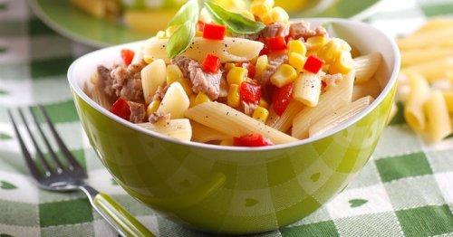 Préparez une succulente salade de pâtes au thon et maïs pour vous régaler !