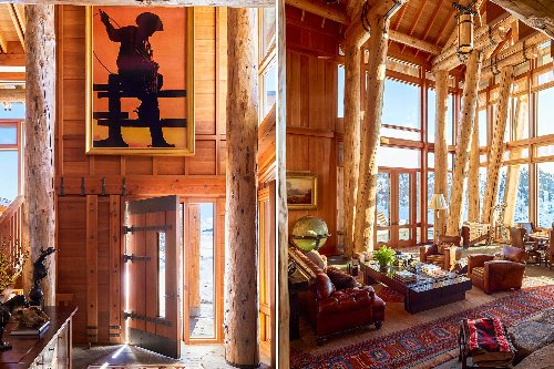 The Interior Design Story Behind a Breathtaking Mountainside Home