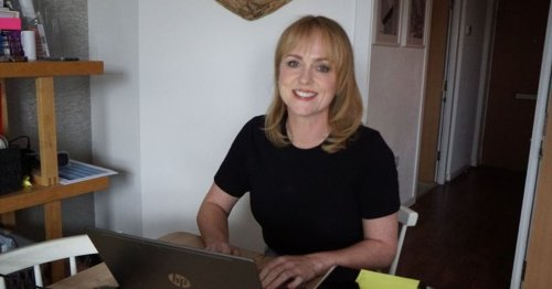 Derby woman who took 75% pay cut during lockdown starts her own business