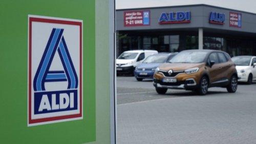 Aldi: Kunde will nur schnell parken und einkaufen – unfassbar, warum er dann ein Knöllchen kassiert