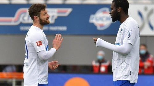 FC Schalke 04: Überraschende Kehrtwende! Wird ER der neue Abwehr-Boss?