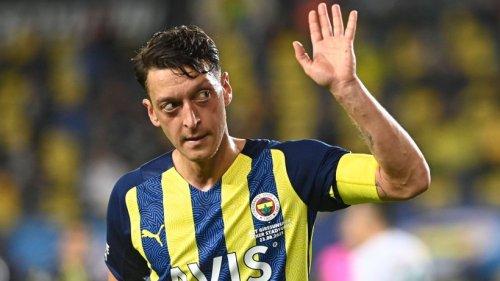 Mesut Özil am Tiefpunkt angekommen? Ex-S04-Star sorgt in der Türkei für Eklat