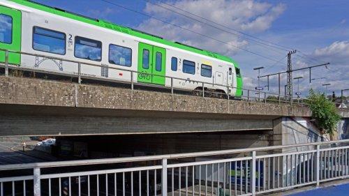 Deutsche Bahn in NRW: Schreck für Passagiere und Zugführer – Bahn mit Steinen beworfen