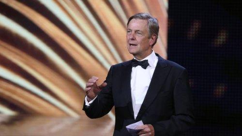 """ZDF: """"Heute journal""""-Moderator Claus Kleber will mit Lufthansa fliegen, dann platzt ihm der Kragen – """"Lebt ihr noch?"""""""