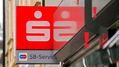Sparkasse, Postbank und Co.: Du hast unzulässige Gebühren gezahlt? So bekommst du dein Geld zurück
