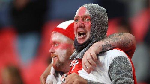"""EM 2021: England - Schottland im Live-Ticker: Unnötige Fan-Aktion! Sie sorgt sofort für Wirbel – """"A***löcher"""""""