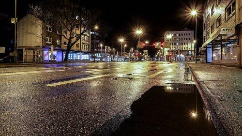 """Corona in Deutschland: Anschlag aufs Auto von Karl Lauterbach – """"Er sieht schrecklich aus"""""""