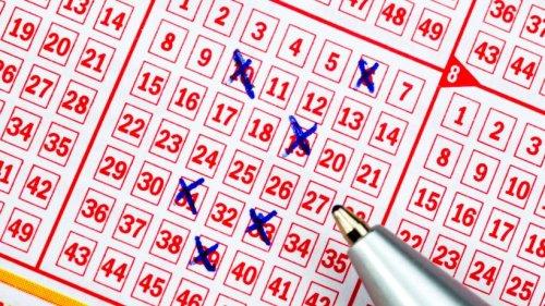 Lotto: Mann findet alten Schein in einer Tasche – sein Gewinn ist unfassbar