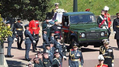 Prinz Philip: Sein Sarg wird zur Kirche gebracht – ein Detail bleibt nicht unbemerkt