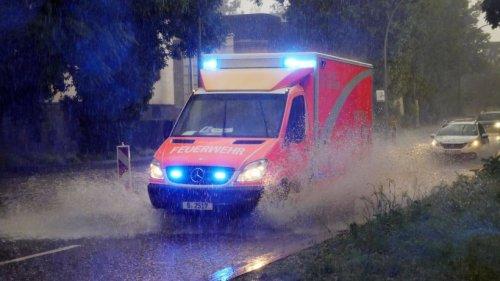 Unwetter in Deutschland: Schlimmes Unwetter in Berlin – Straßen geflutet, Keller überschwemmt, Feuerwehr im Dauereinsatz