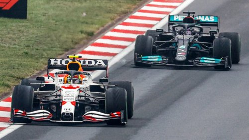 """Böse Vermutung in der Formel 1: Rennstall stellt klare Forderung – """"Irgendetwas ist dort komisch"""""""