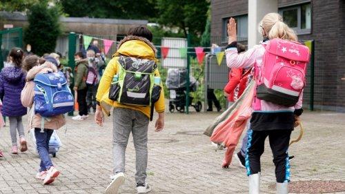 Herbstferien in NRW gehen zu Ende: Zum Schulstart gelten jetzt diese Regeln