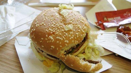 """McDonald's: Kunde sieht seinen Burger und hat nur eine Frage – """"Ist das euer Ernst?"""""""