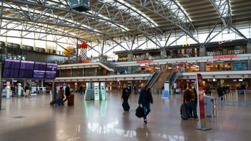 Urlaub auf Mallorca: Frau beklaut Mann am Flughafen – doch sie begeht einen peinlichen Fehler
