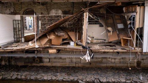 Hochwasser in NRW: Flut-Katastrophe legt geheimes Nazi-Versteck frei – unfassbare Fundstücke