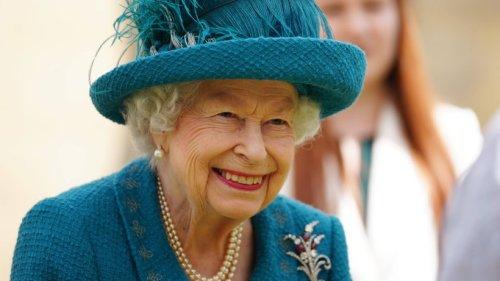 Queen Elizabeth II. schreibt Brief an englische Nationalmannschaft: Fan entdeckt Geheimbotschaft