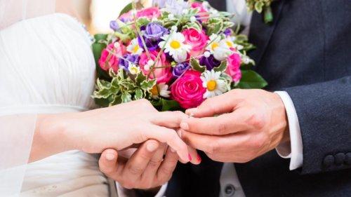 Hochzeit: Braut bricht am Altar in Tränen aus – dann wird ihr DAS vorgeworfen