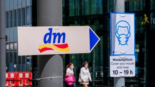 dm: Wird die 2G-Regel bald eingeführt? Drogeriemarkt spricht jetzt Klartext