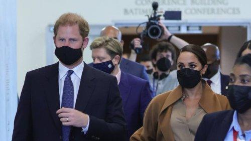 """Meghan Markle und Prinz Harry lassen ihren Alltag filmen – prompt bricht ein Shitstorm aus: """"Kann man sich nicht ausdenken"""""""