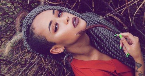 Dunkler Lipliner: Voluminöse Lippen dank des Beauty-Trend-Comebacks | desired.de