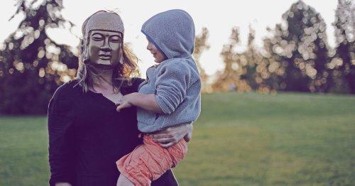 Regretting Motherhood: Die Scham darüber, die Mutterschaft zu bereuen